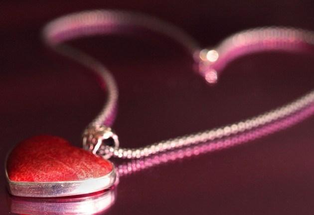 beautiful-heart-necklace