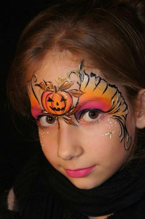 Halloween-Pumpkin-Face-paint-girl