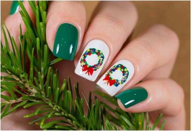 Winter holiday Christmas decorations manicure design