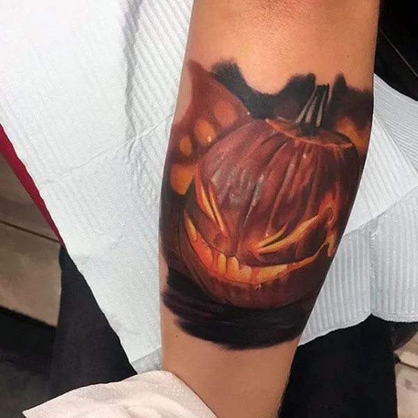 realistic-fiery-jack-o-latern-pumpkin-tattoos