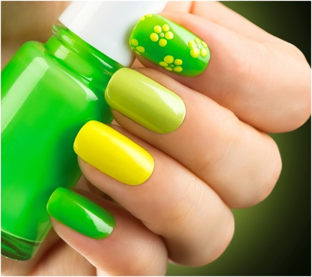 stylish spring nail designs of beautiful shades of Green and yellow colors