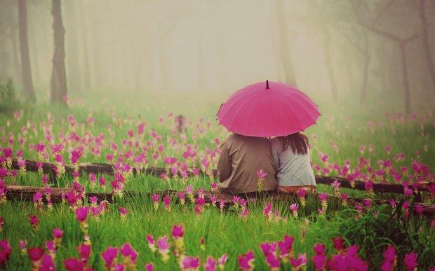 beautiful romantic photoshoot in love garden