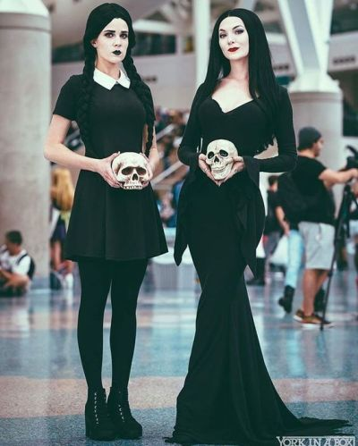 wednesday friday addams halloween costume ideas for college girls
