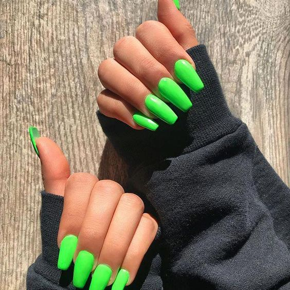 green coffin nails