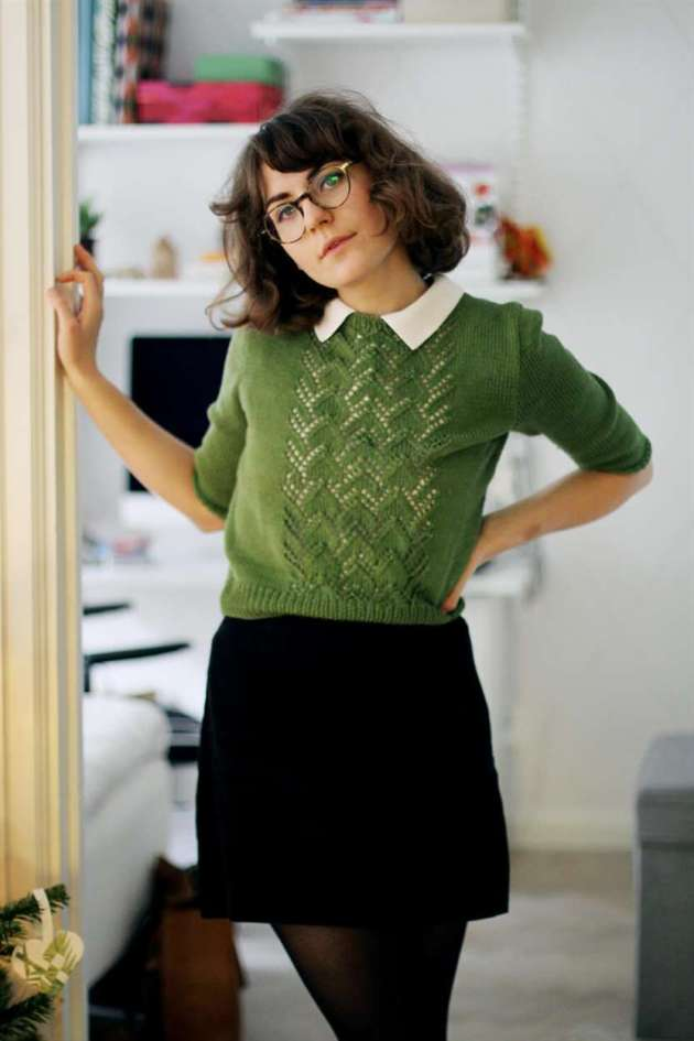 peter pan collar shirt with sweater and skirt outfits