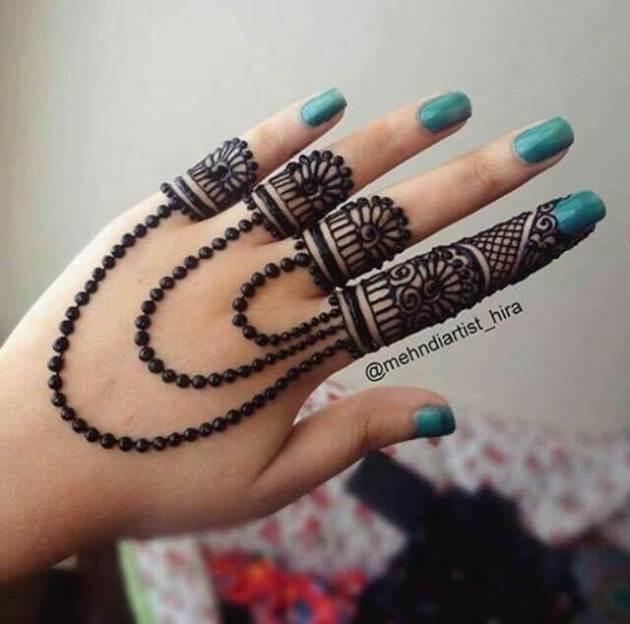 rings chain finger henna design