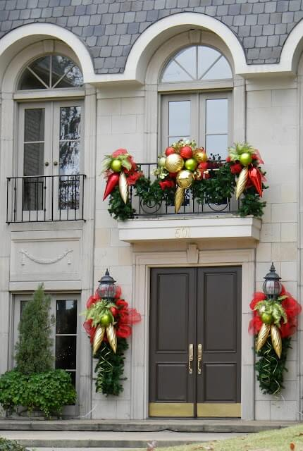 christmas balcony decorations with ornaments
