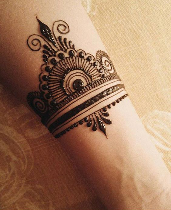 traditional bracelet mehndi design