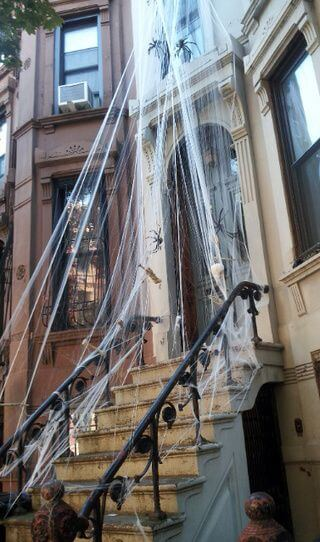 outdoor haunted mansion house decoration ideas