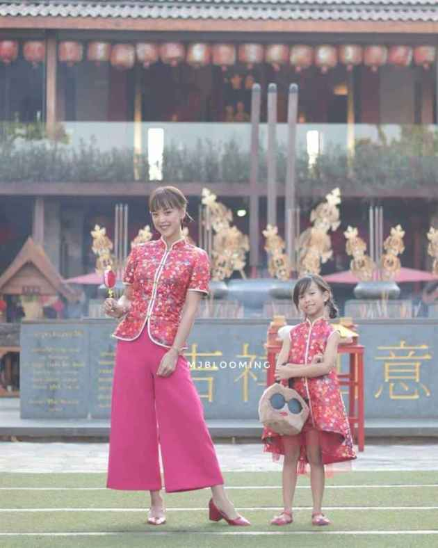 chinese new year traditional dress ideas for mother and daughter