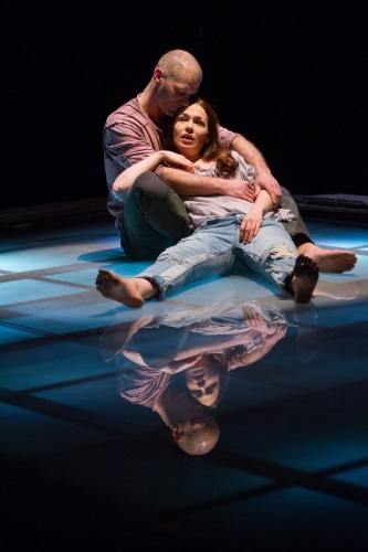 Theatre Review: 'Tender Napalm' at Signature Theatre. 4 out of 4 Stars !