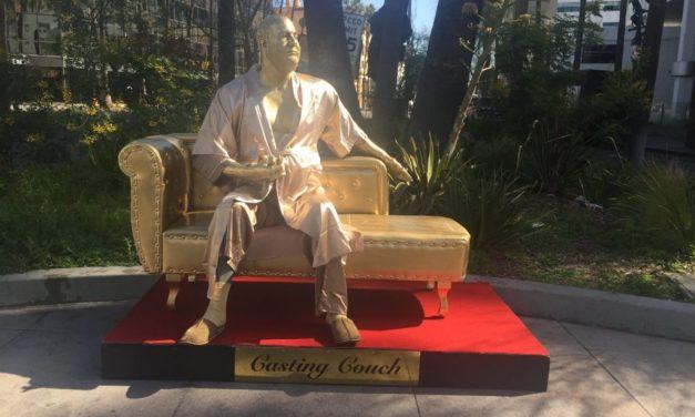 'Casting Couch', la estatua de Weinstein previa al Oscar