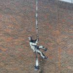 """""""El placer de pintar con…"""" Banksy"""