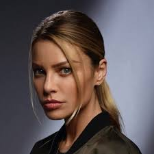 Lauren German younger photo one at twitter.com