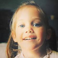 Meryem Uzerli childhood photo two at pinterest.com