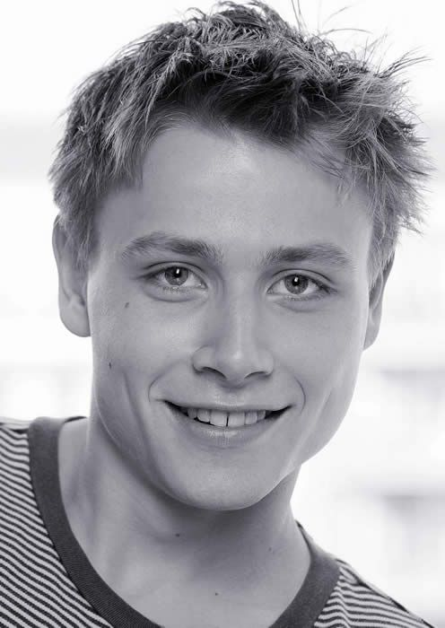 Max Riemelt younger photo one at pinterest.com