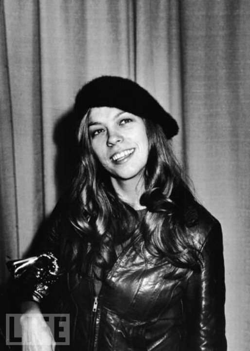 Rickie Lee Jones younger photo one at pinterest.com