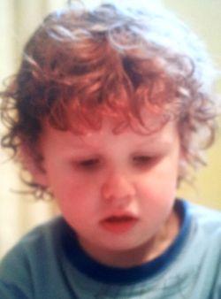Sam Heughan, foto de infância um em outlandercastblog.blogspot.nl