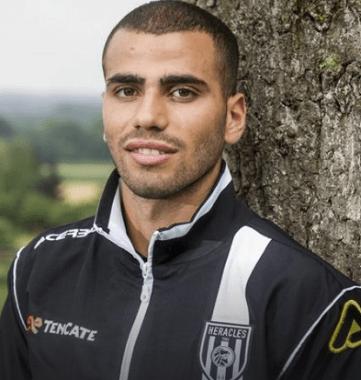 Oussama Tannane - eine cooler, gemütlicher,  Berühmtheit aus Marokko im Jahr 2019