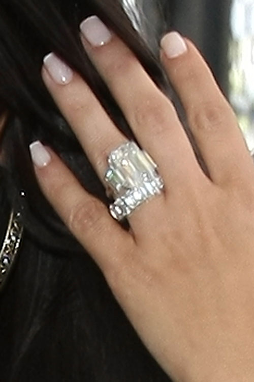 Kim Kardashians Wedding Ring All The Details Entertainmentwise