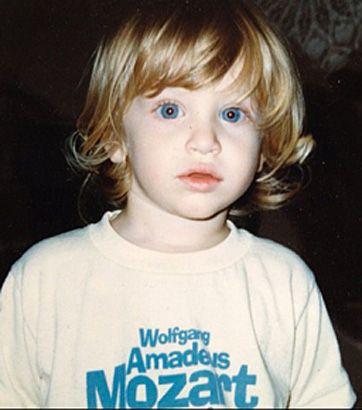 Keegan Allen kindertijd foto twee via Pinterest.com