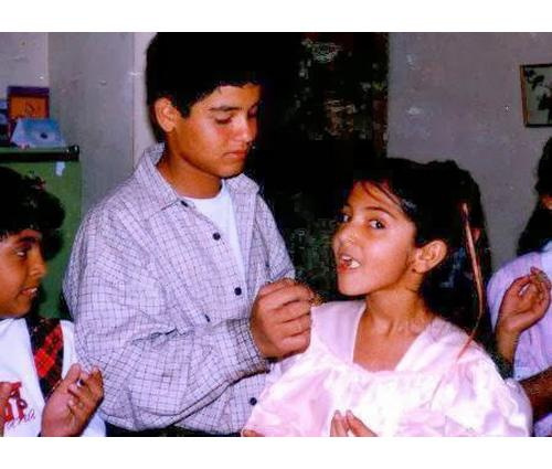 Anushka Sharma childhood photo one at Cosmopolitan.in