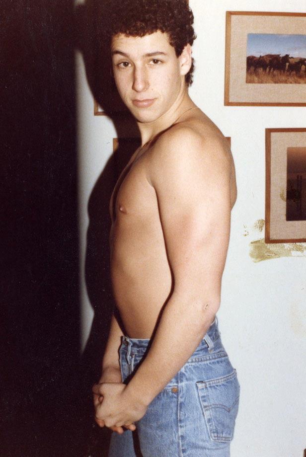 Adam Sandler , foto mais antiga um em pinterest.com