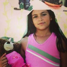 Bethany Mota, foto de infância um em pinterest.com