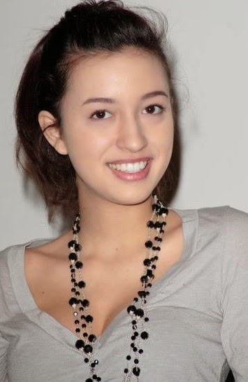Christian Serratos younger photo one at bestcelebritybiographies.blogspot.ro