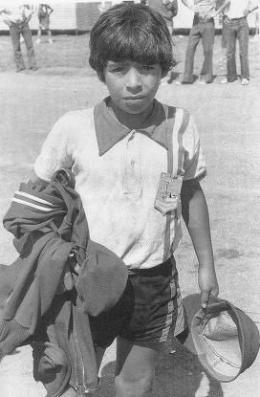 Diego Maradona childhood photo one at LifeBogger.com