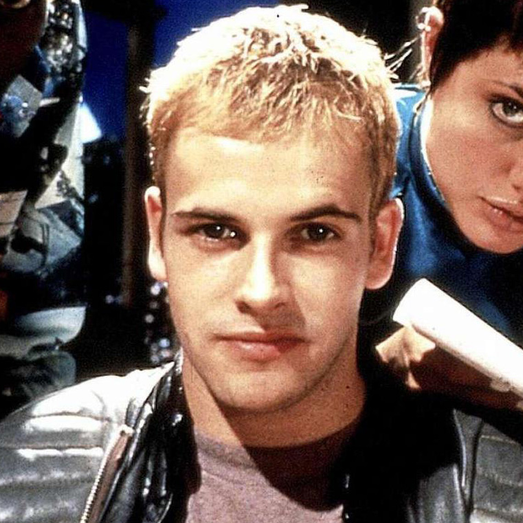 Jonny Lee Miller younger photo two at rssing.com