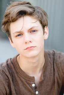 Ty Simpkins - the cool, cute, fun, actor with British, German, Irish, roots in 2020