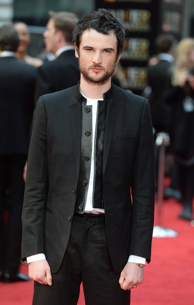 Tom Sturridge - de coole en lekkere acteur met Ierse, Schotse en Engelse roots in 2021
