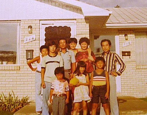 Sandra Oh childhood photo two at sandywang.net