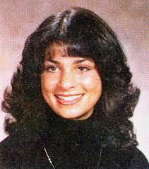 Paula Abdul, foto de anuário um at classmates.com em classmates.com