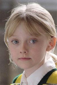 Dakota Fanning childhood photo two at pinterest.com
