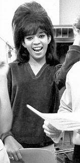 Estelle Bennett, foto de infancia dos en Pophistorydig.com