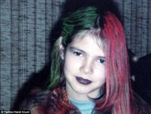 Heidi Klum, foto de infancia dos en dailymail.co.uk