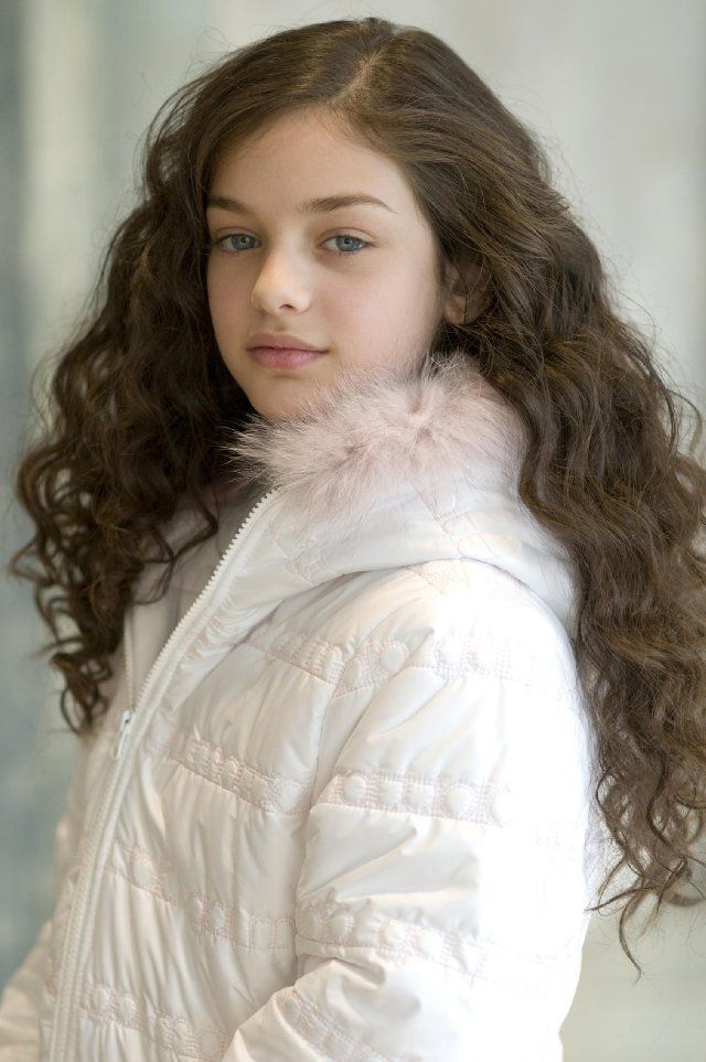 Odeya Rush, foto de infância um em pinterest.com