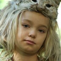 Samantha Isler kindertijd foto een via amazon.com