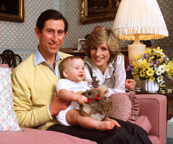 Prince William, foto de infância um em hellomagazine.com