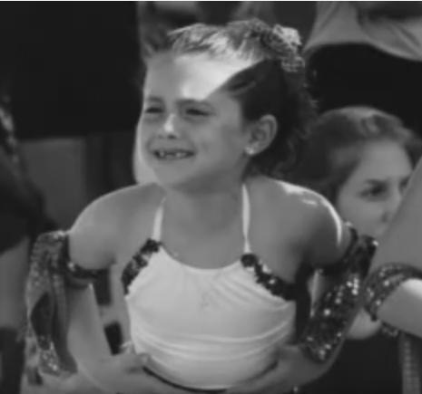 Ariana Grande, foto de infância dois em salaryandnetworth.com