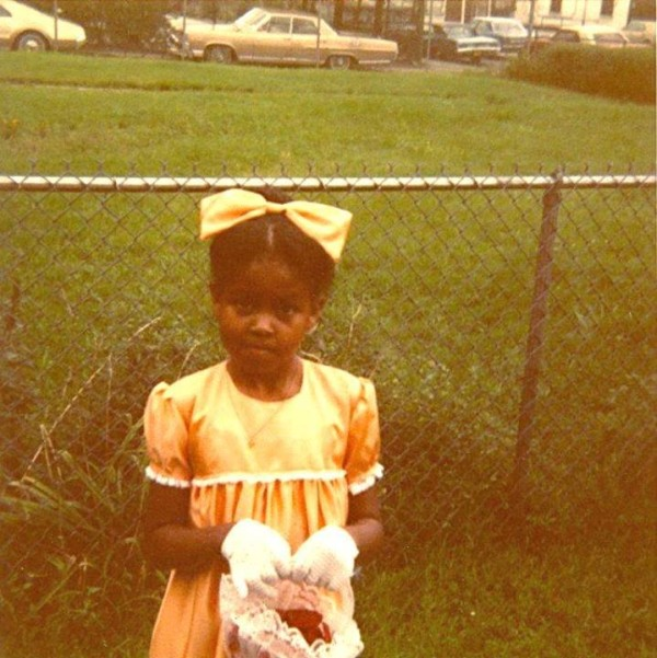 Michelle Obama kindertijd foto twee via Pinterest.com
