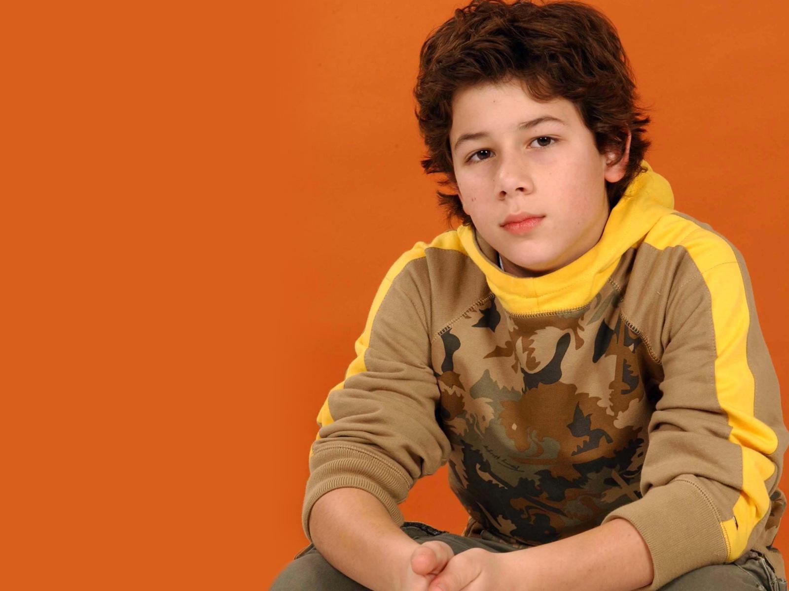 Nick Jonas kindertijd foto een via Wallpaperscraft.com