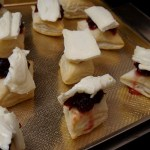 cranberry and brie puff pastry bites