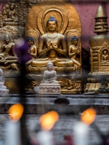 buddha candles-mindah-lee kumar www.enthusiasticbuddhistpilgrimages.com 1