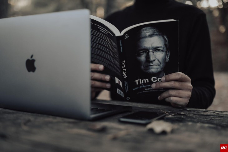 How to write a biography of a famous person