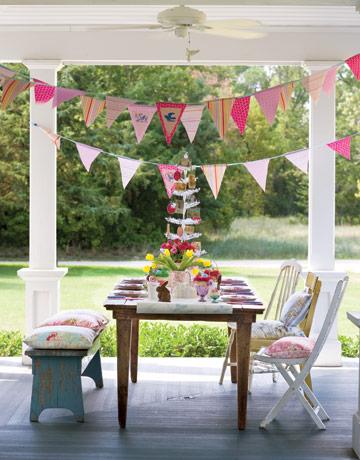 Fiestas infantiles decoradas con guirnaldas y banderines