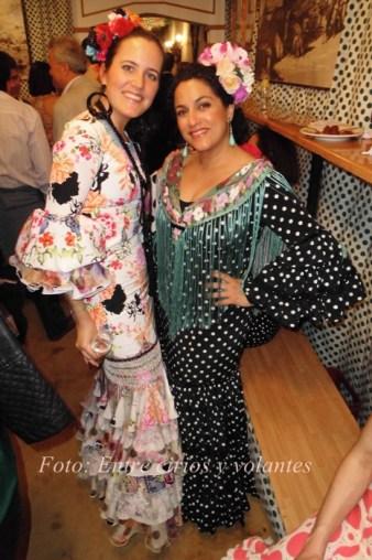 Feria de Sevilla 2015 Entre cirios y volantes (1)