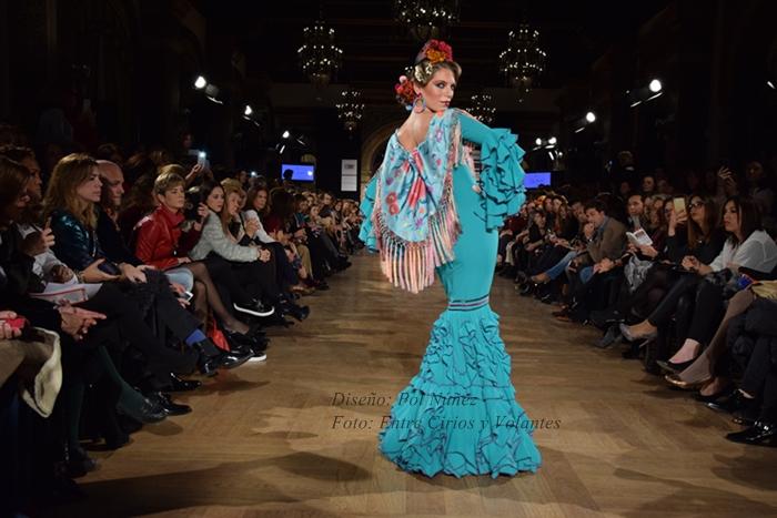 Pol Nunez trajes de flamenca 2016 entre cirios y volantes